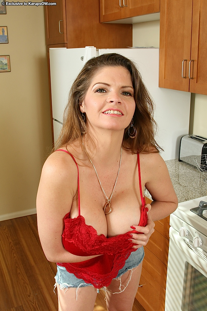 image The mature women of the sexy abdomen
